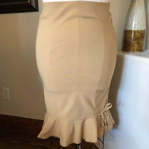 100% polyester size 2 online skirt by XXI.